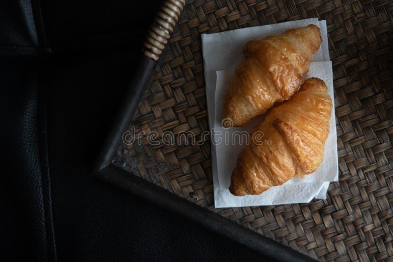 Verse Croissant en koffie royalty-vrije stock afbeelding