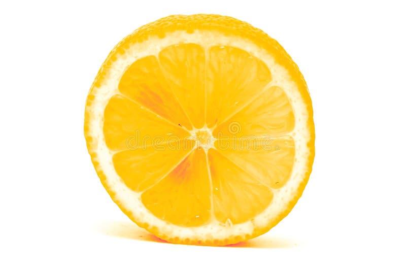 Verse die citroenplak op witte achtergrond wordt geïsoleerd royalty-vrije stock afbeelding