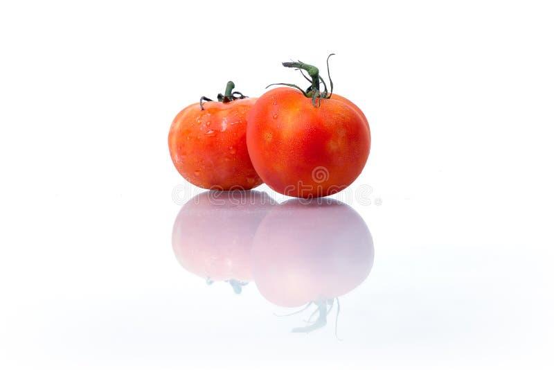 Verse die vruchten en groenten op witte achtergrond worden geïsoleerd, Rode groene gele samen opgestapelde groenten, Verse vrucht stock afbeeldingen
