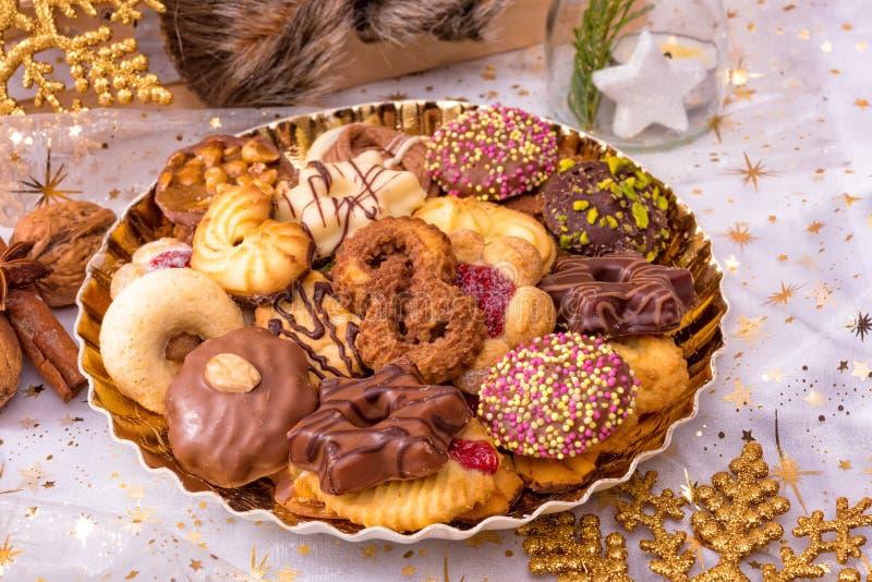 Verse en smakelijke Kerstmiskoekjes stock afbeelding