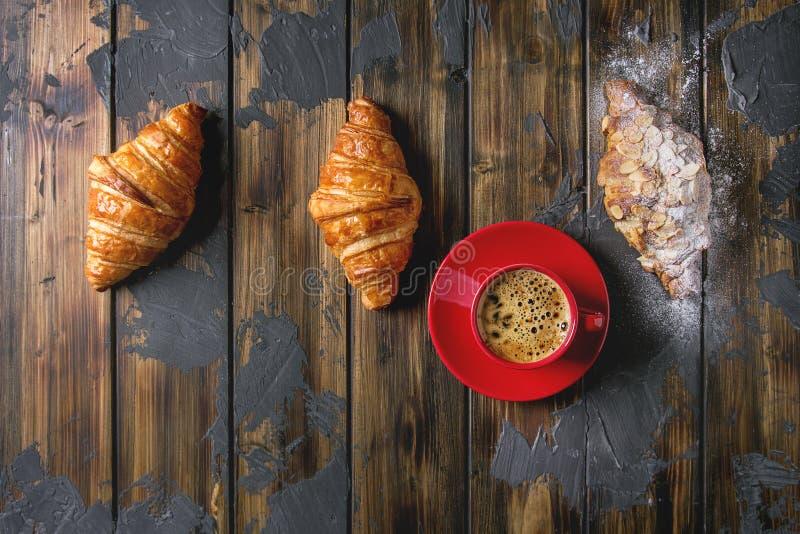 Verse gebakken croissant stock fotografie