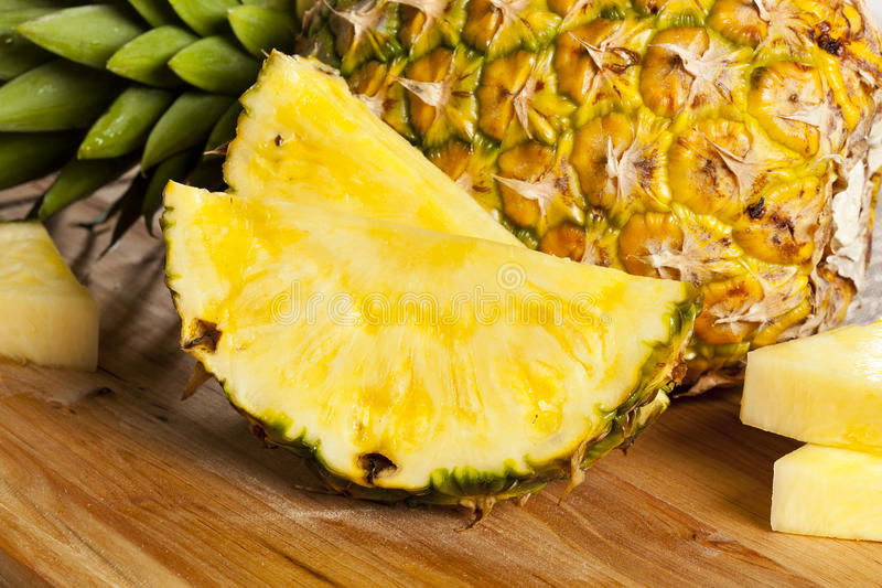 Verse Gele Organische Ananas stock foto
