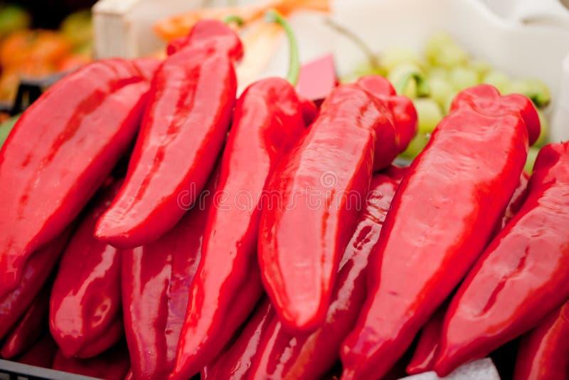 Verse gezonde rode geel geen de macroclose-up van de paprikapeper stock foto's