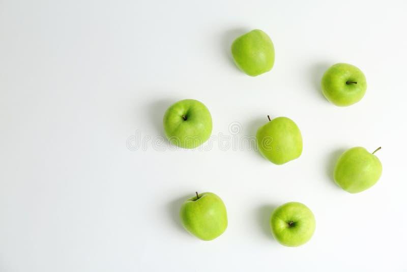 Verse groene appelen op witte achtergrond royalty-vrije stock foto
