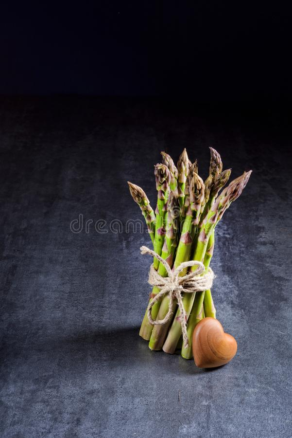 Verse groene asperge royalty-vrije stock foto's