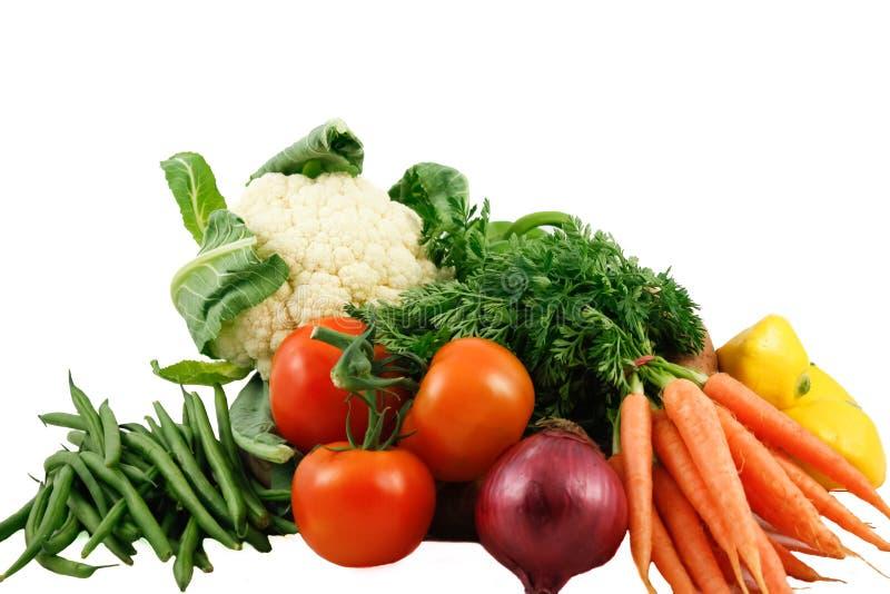 Verse groenten die op witte achtergrond worden geïsoleerd royalty-vrije stock afbeelding