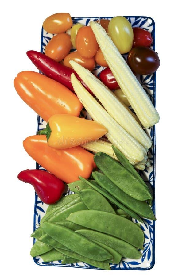 Verse groenten op een schotel royalty-vrije stock foto