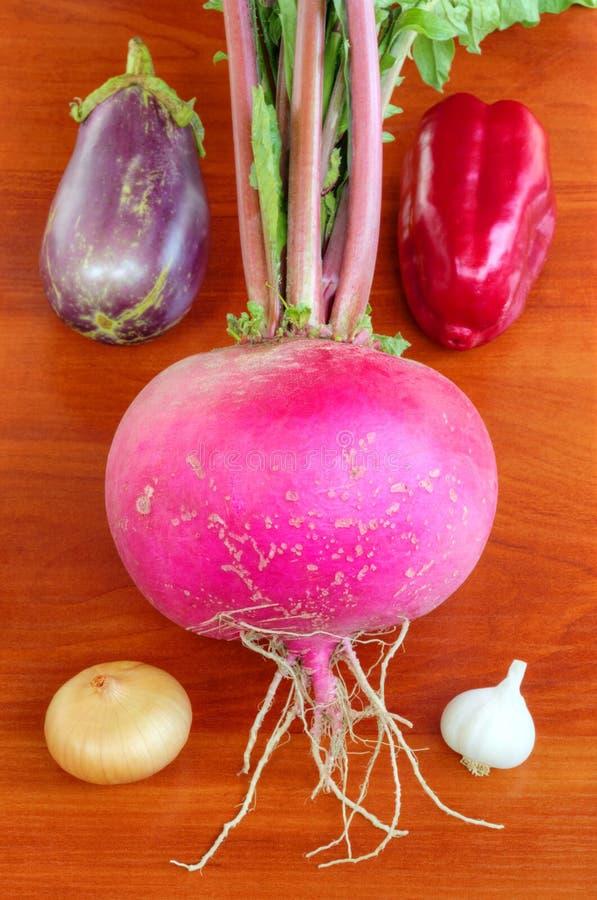 Verse groenten op houten achtergrond stock fotografie