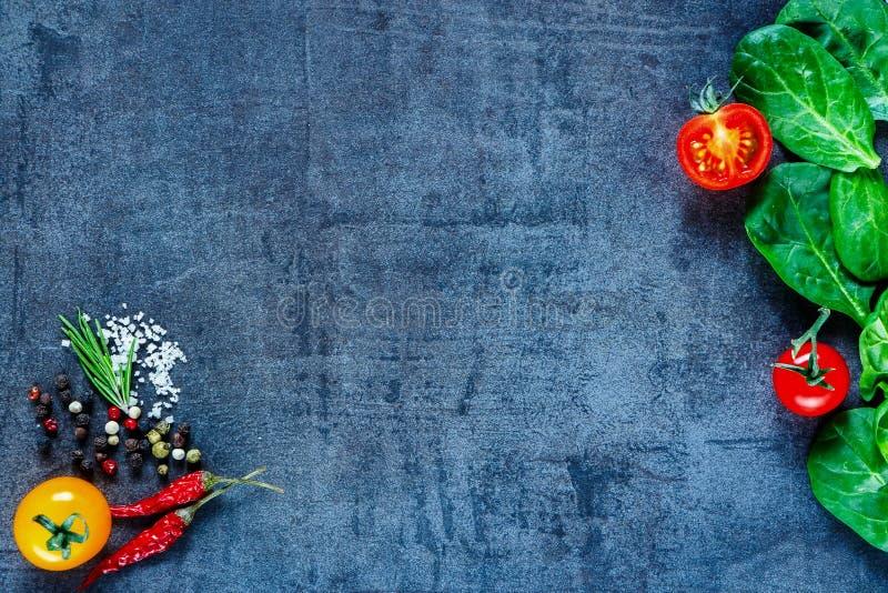Verse groenteningrediënten stock afbeelding