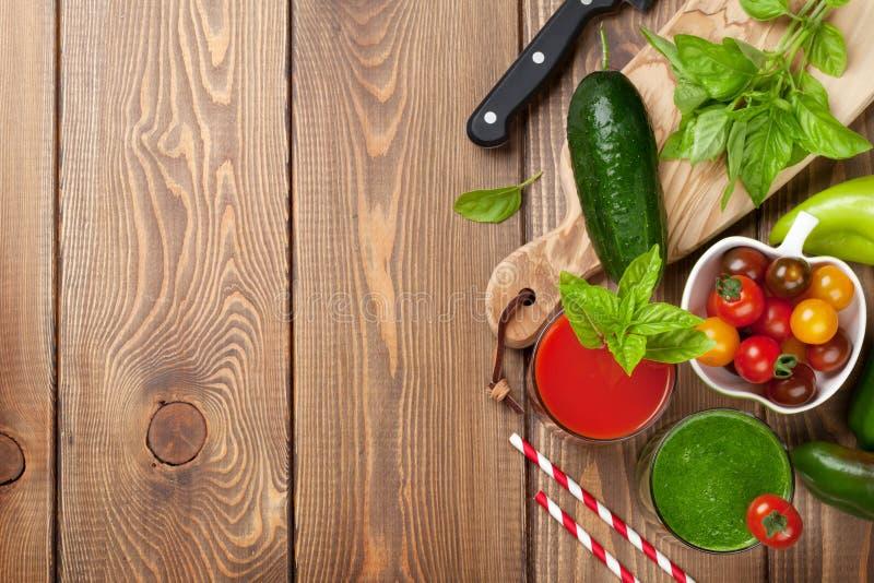 Verse groentesmoothie stock afbeeldingen