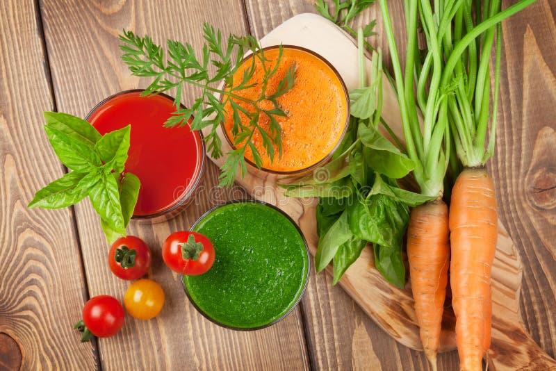 Verse groentesmoothie stock foto's