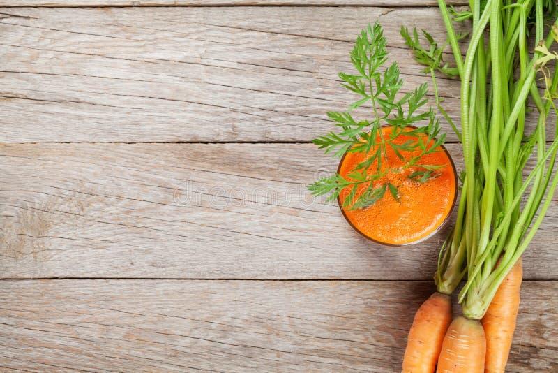 Verse groentesmoothie Het sap van de wortel royalty-vrije stock foto's