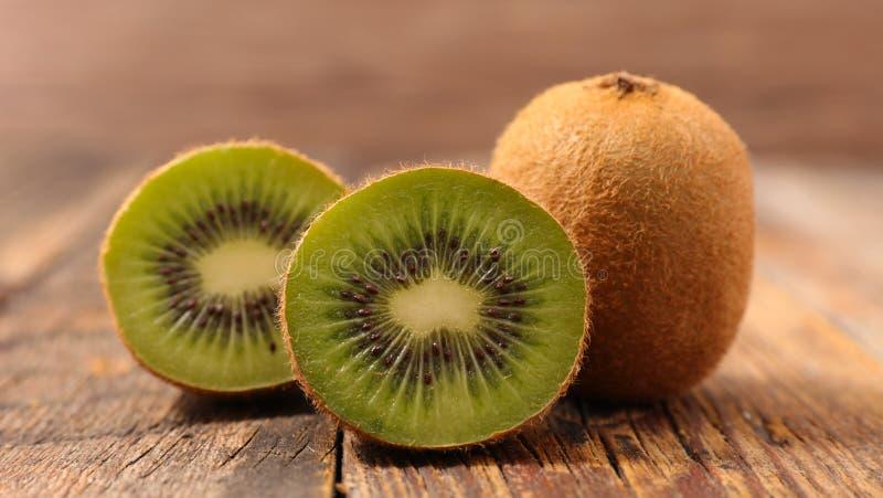 Verse kiwi stock afbeeldingen