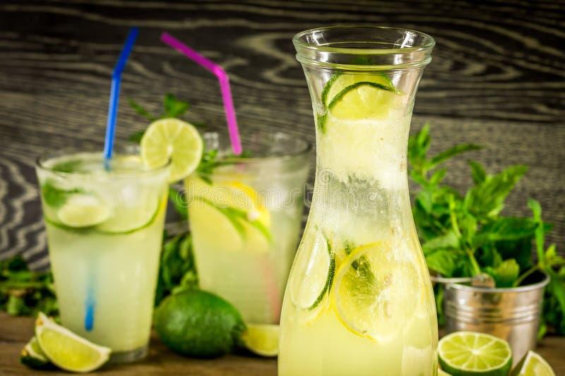 Verse limonadedrank royalty-vrije stock afbeeldingen