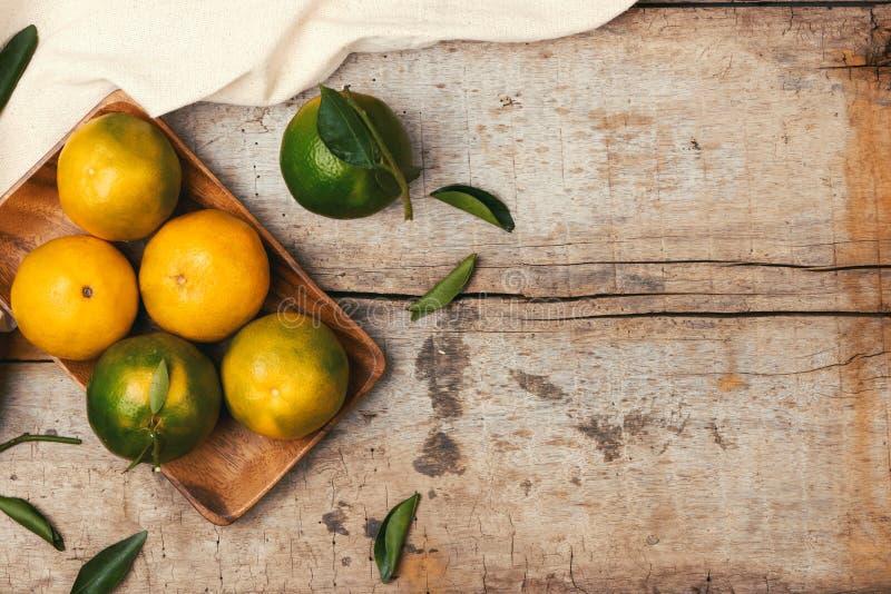 Verse mandarijnensinaasappel Voorbereidingsingrediënt voor het maken oranje stock fotografie