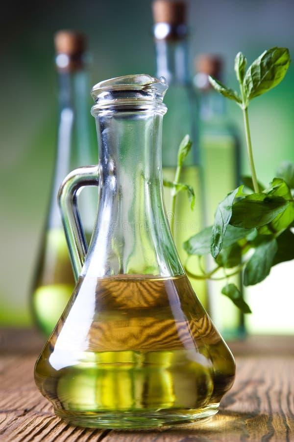 Verse olijfolie, Mediterraan landelijk thema stock afbeeldingen