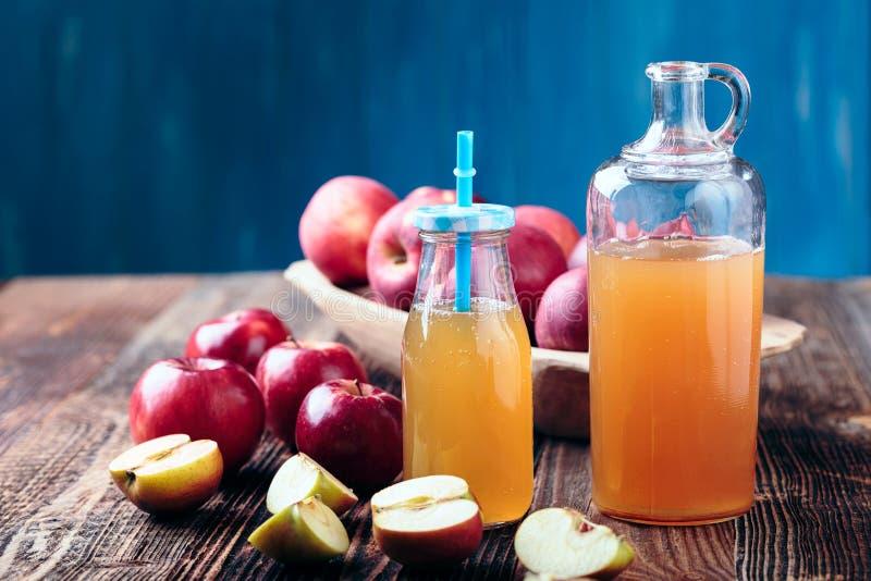 Verse Organische Apple-Cider stock foto's