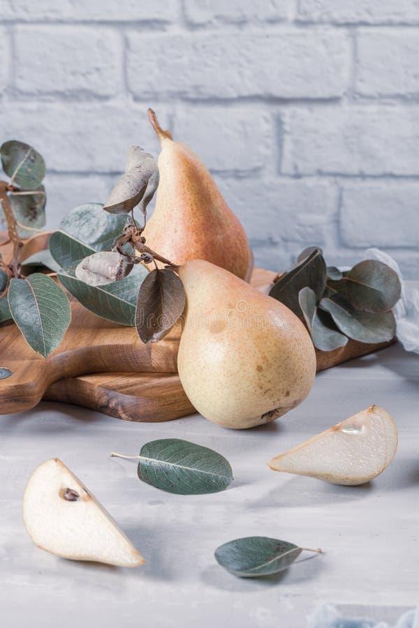 Verse Organische Peren De achtergrond van het fruit De oogst van de perenherfst royalty-vrije stock fotografie