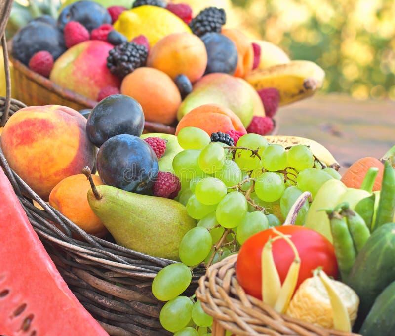 Verse organische vruchten royalty-vrije stock fotografie