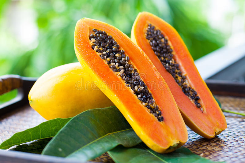 Verse papaja stock foto's