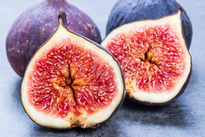 Verse purpere fig. sluiten omhoog royalty-vrije stock afbeelding