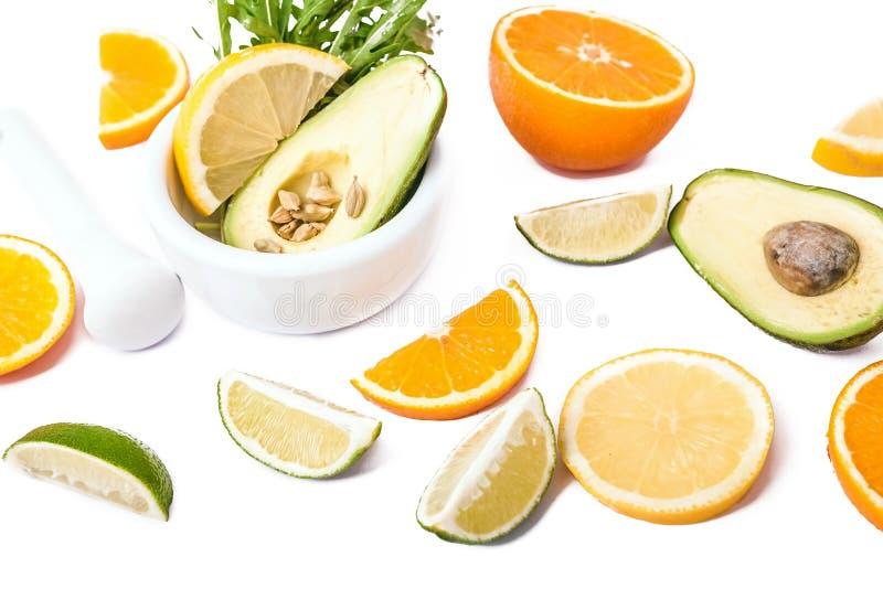 Verse rijpe avocado stock afbeelding