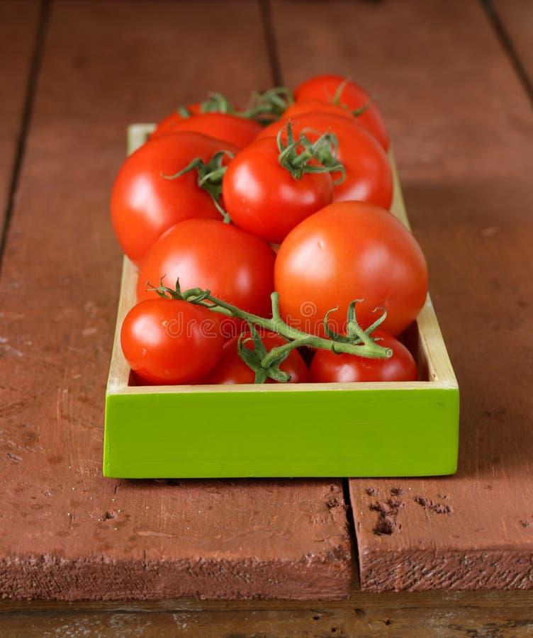 Download Verse Rijpe Organische Tomaten Stock Foto - Afbeelding bestaande uit landbouw, fruit: 39109348