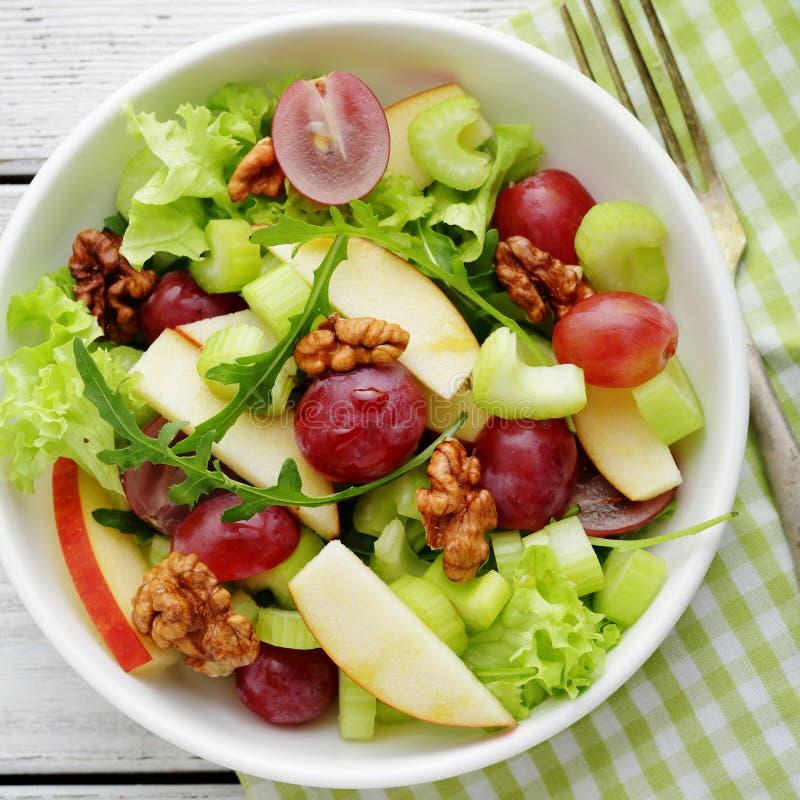 Verse salade met groene appel en selderie stock fotografie