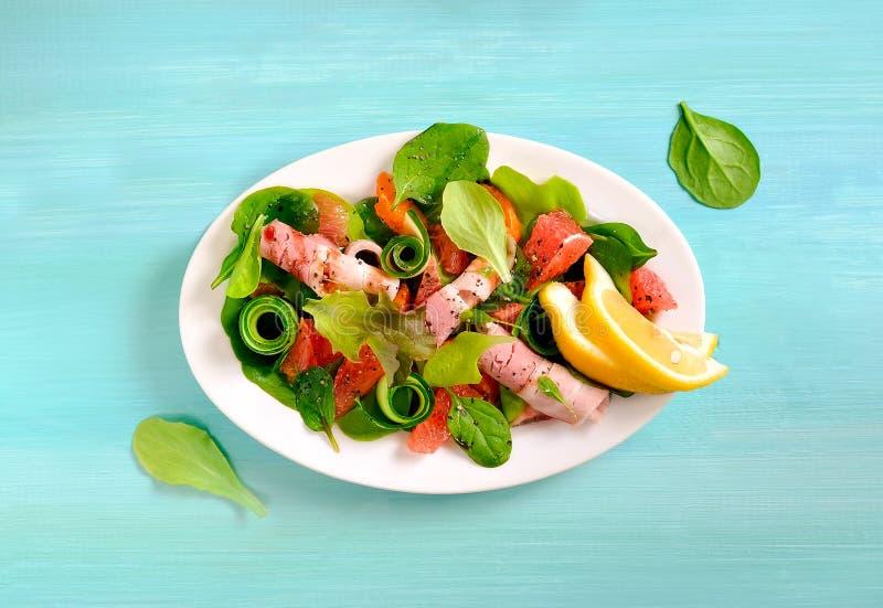 Download Verse sappige salade stock foto. Afbeelding bestaande uit dieet - 54081814