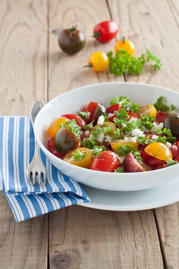 Verse tomatensalade royalty-vrije stock afbeeldingen