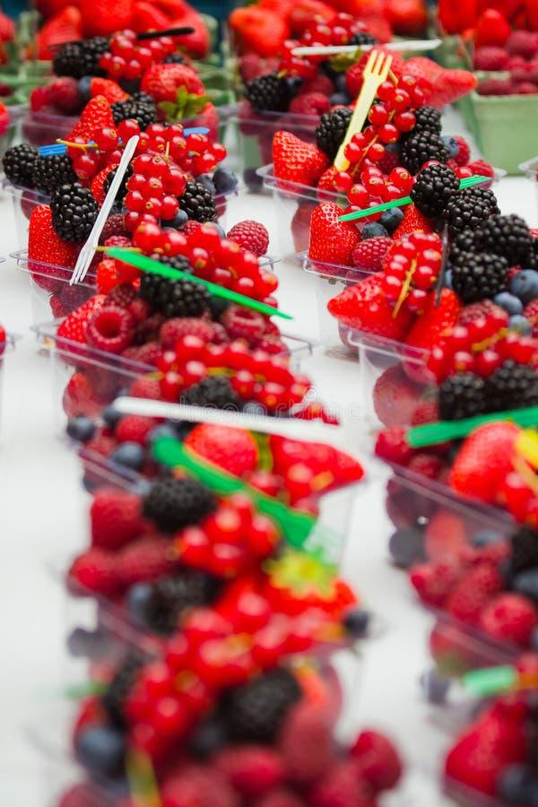 Verse vruchten en bes stock afbeelding