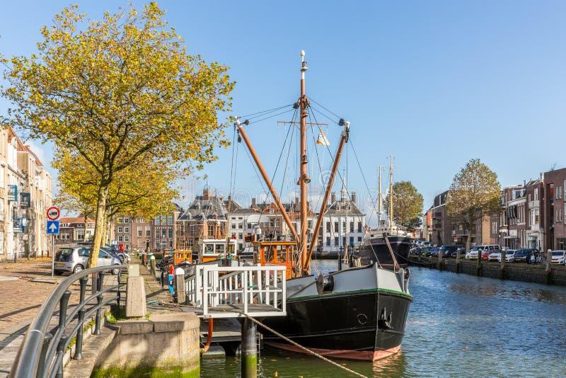 Versenden Sie im Hafen von Maassluis, die Niederlande stockfoto