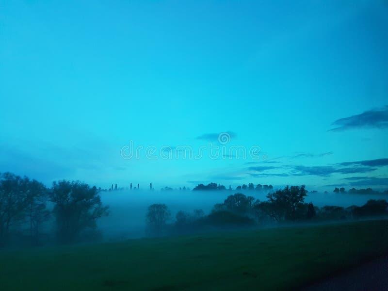 Versenkt durch Nebel stockbild