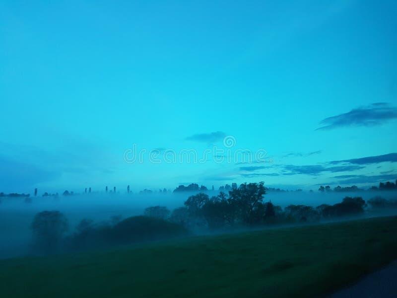 Versenkt durch Nebel lizenzfreies stockfoto