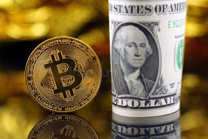 Versión física de Bitcoin, nuevo dinero virtual fotos de archivo libres de regalías