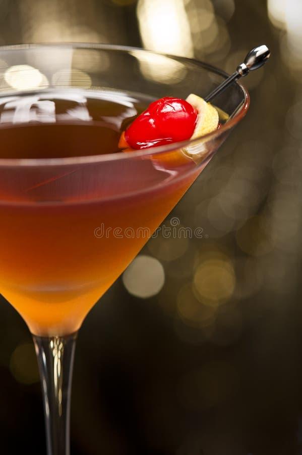 Versierde de cocktail van Manhattan stock fotografie