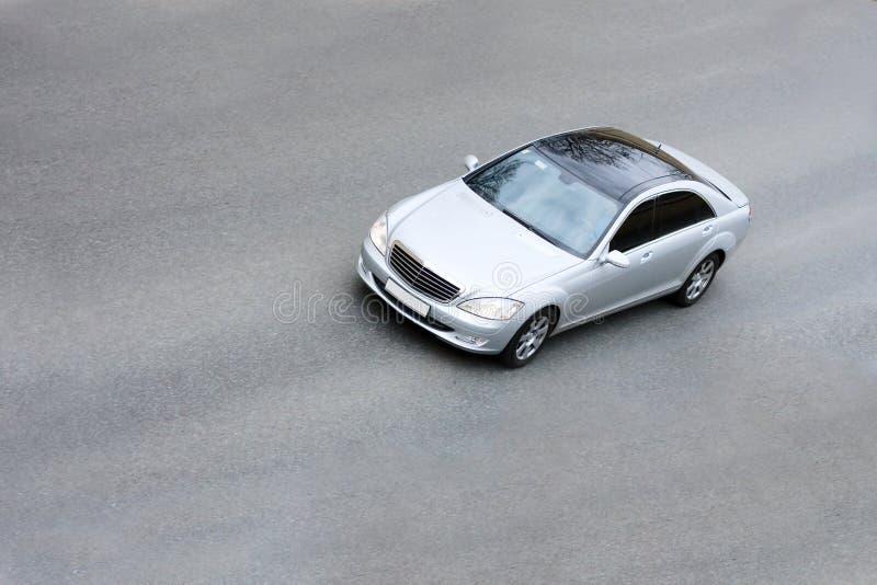 Versilbern Sie Auto lizenzfreies stockfoto