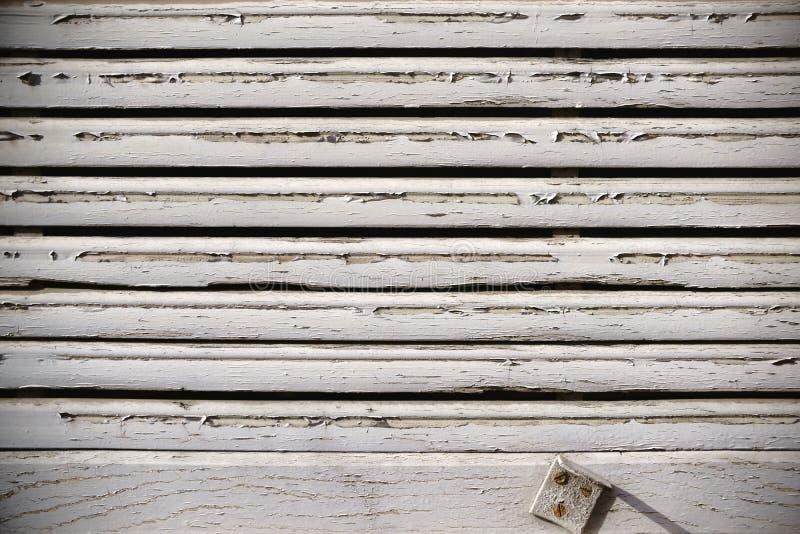 Versleten houten jaloezie stock afbeeldingen