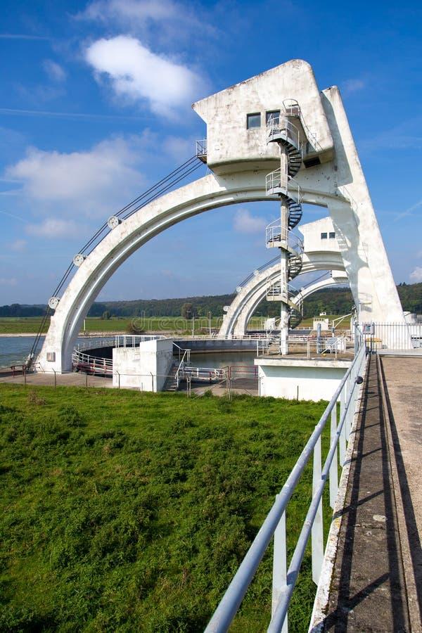 Versperring en Sluisbouw in Driel, Nederland royalty-vrije stock afbeelding