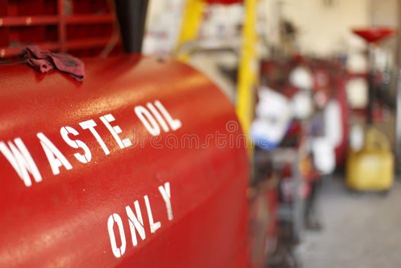 Verspil oliecontainer royalty-vrije stock afbeeldingen