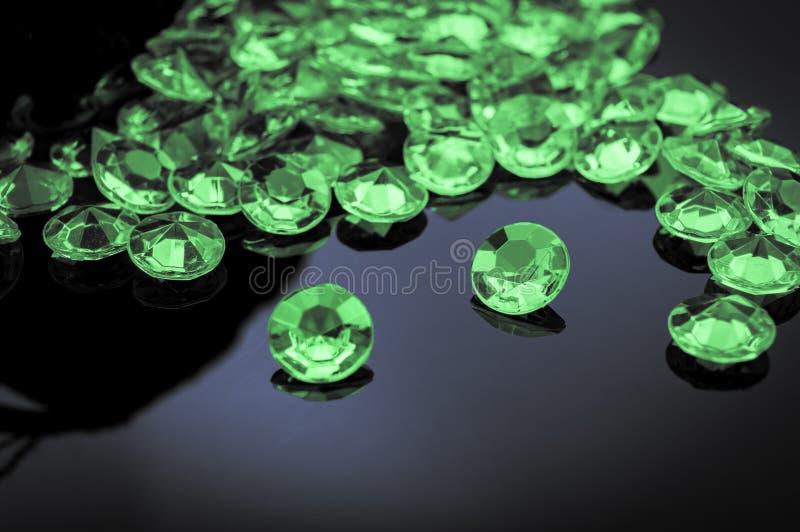 Verspreide smaragden stock afbeelding
