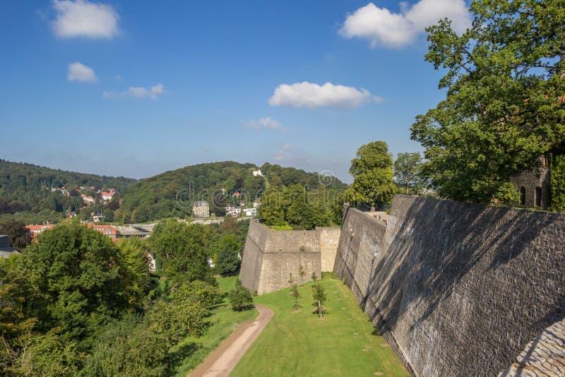 Verstärkte Wand des Sparrenburg-Schlosses in Bielefeld stockfoto