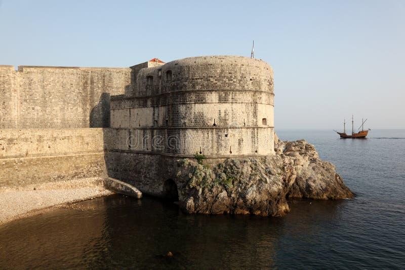 Verstärkte Wand von Dubrovnik lizenzfreies stockbild