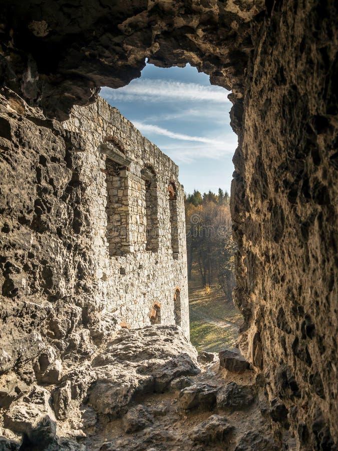 Verstärkter Wand Embrasure lizenzfreie stockfotografie