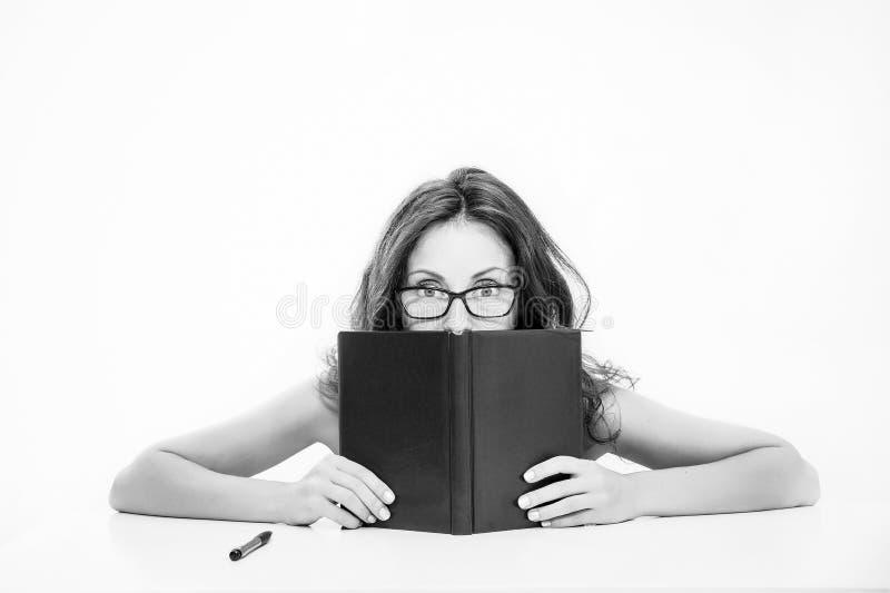 Versteckter Inhalt Zurück zu Schule Geschäftsschullehrer oder -student sexy Frau mit den roten Lippen in den Gläsern Reizend Dame lizenzfreies stockbild