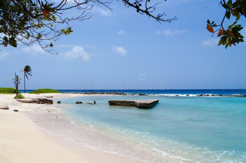 Versteckter Strand Curaçao stockfoto