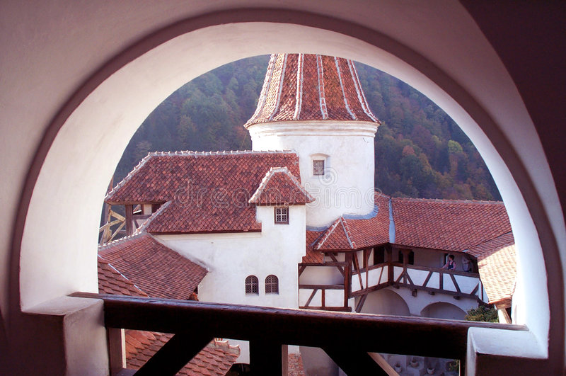 Versterkt kasteel - binnenplaats stock foto