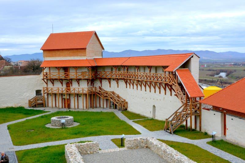 Versterkte Saksische middeleeuwse vesting Feldioara, Marienburg, Transsylvanië royalty-vrije stock fotografie