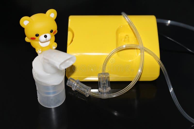Verstuiver voor de behandeling van ademhalingsziekten inhalatie royalty-vrije stock fotografie
