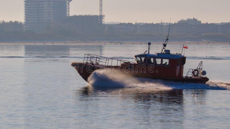VERSUCHSschiff IN DER POMERANIAN-BUCHT lizenzfreie stockfotos